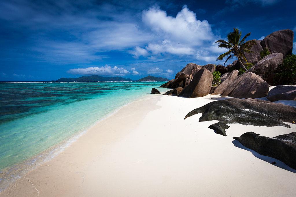 Anse_source_dagent_la_digue_Seychelles