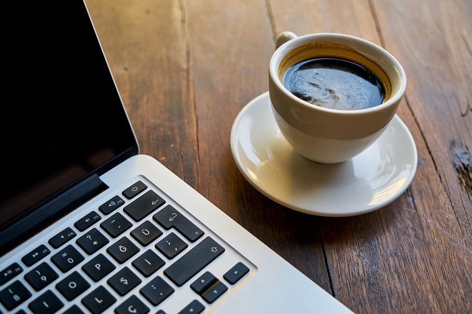 café au bureau-min