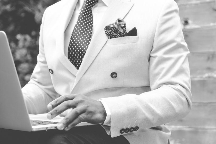 Choisir un costume sur mesure : les points essentiels à considérer